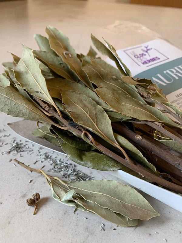 Le Clos des Herbes, producteur de Laurier sec en Provence